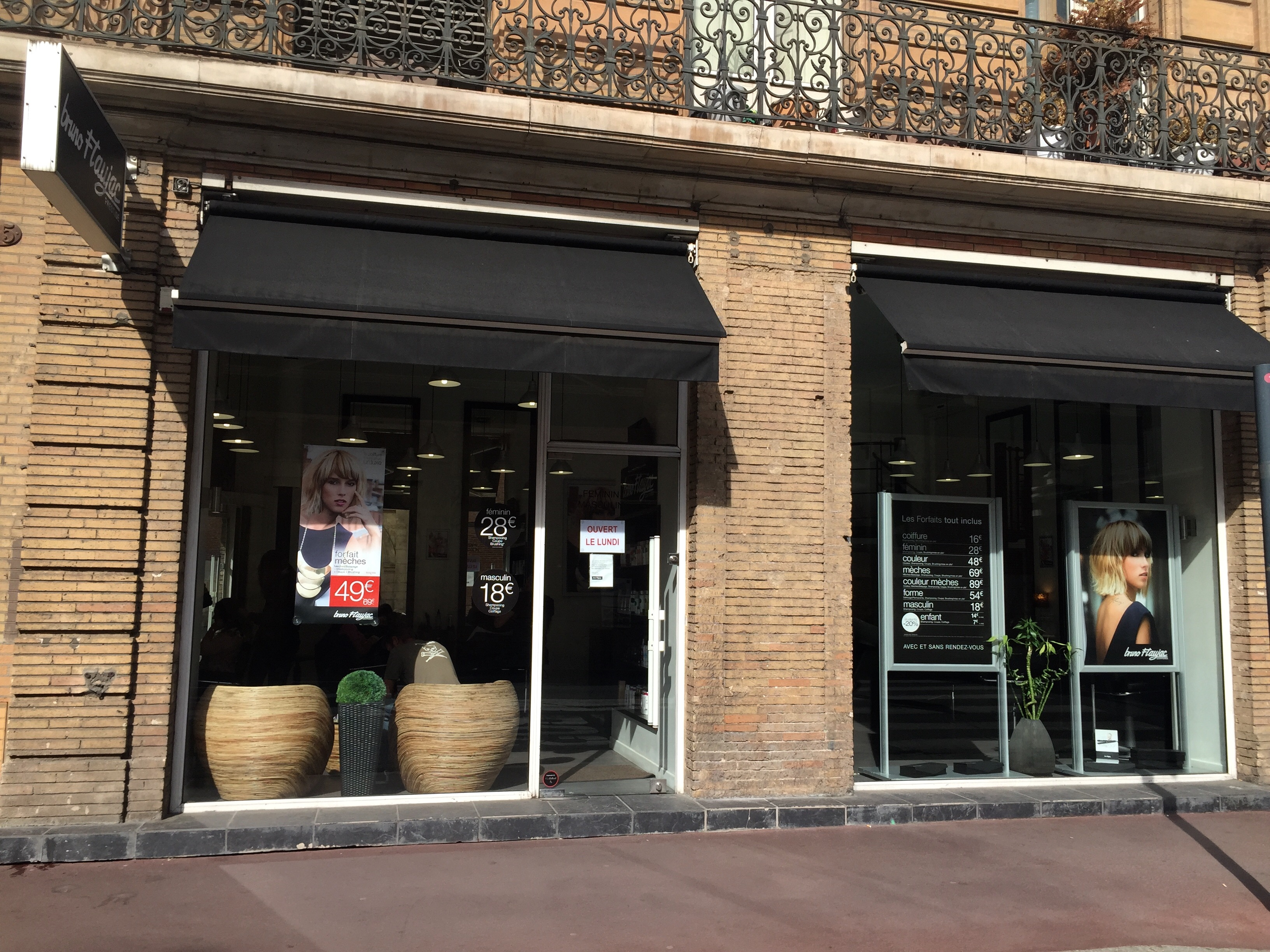 Toulouse carmes bruno flaujac salon de coiffure et for Salon de coiffure toulouse